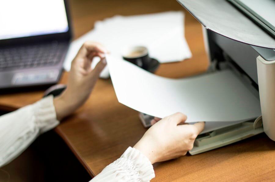 sprawdzanie-papieru-w-drukarce
