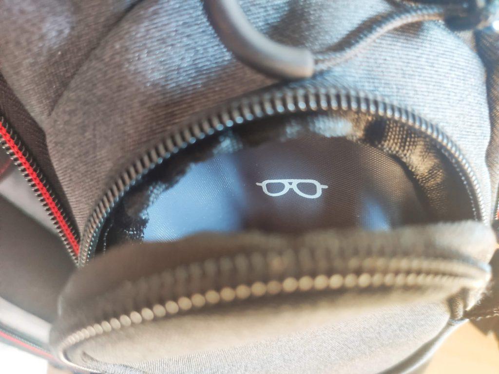 kieszonka na okulary